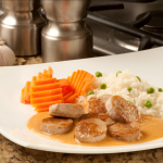 Rueditas de carne de Cerdo SASA en Salsa Cremosa de Chipotle